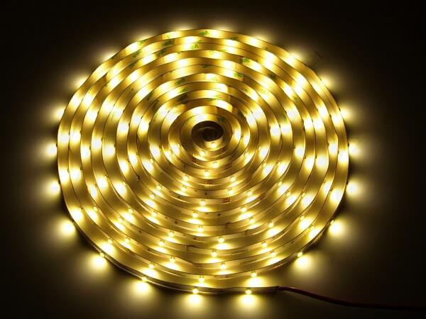 LED strip 12V 30 led's per meter 3000K warm wit IP20