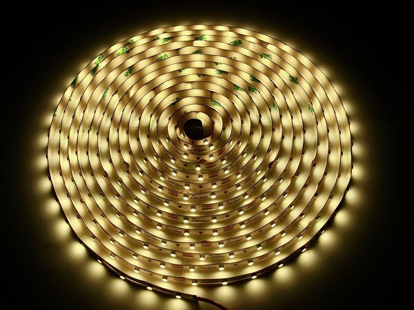 LED strip 12V 60 led's per meter 3000K warm wit IP20